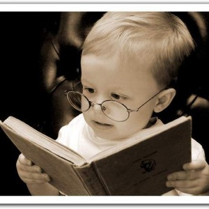 Funny-People-Reading-10-300x300